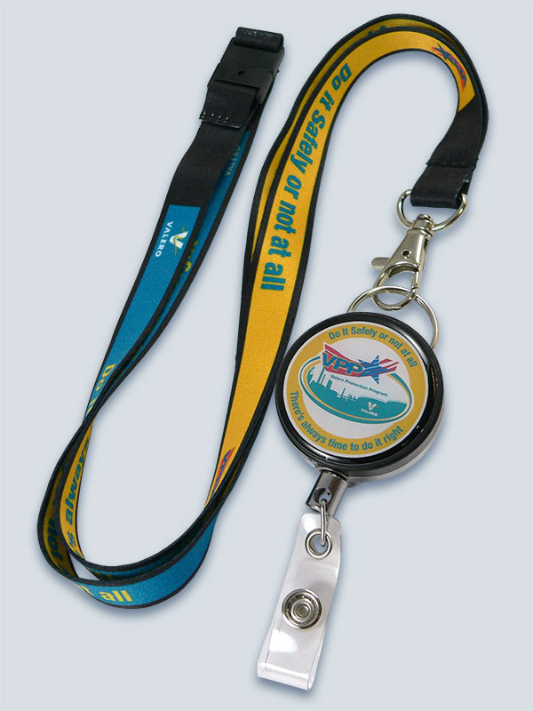 Dye-sub lanyard with retractable reel